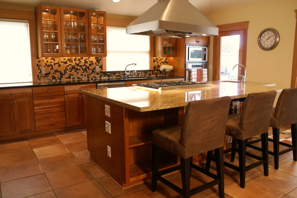 new furniture, countertop and backsplash(1).JPG