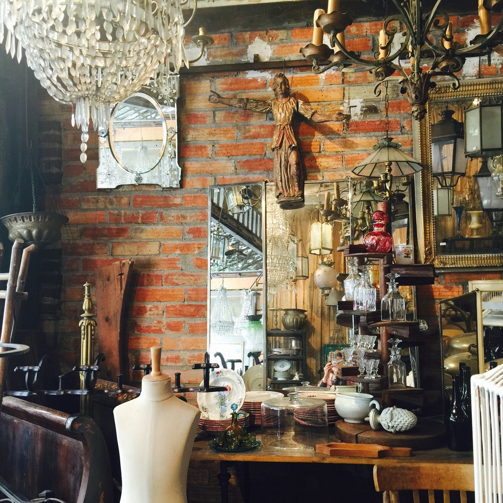 A delightful showroom in Marché Vernaison