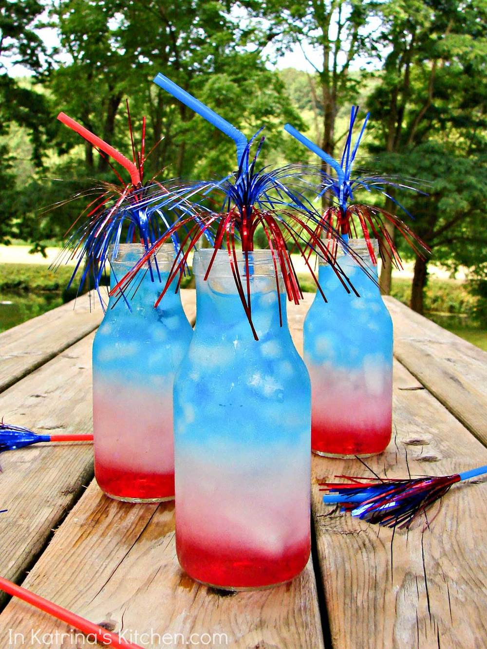 ac614__Refreshing-Red-White-and-Blue-Layered-Drink.jpg