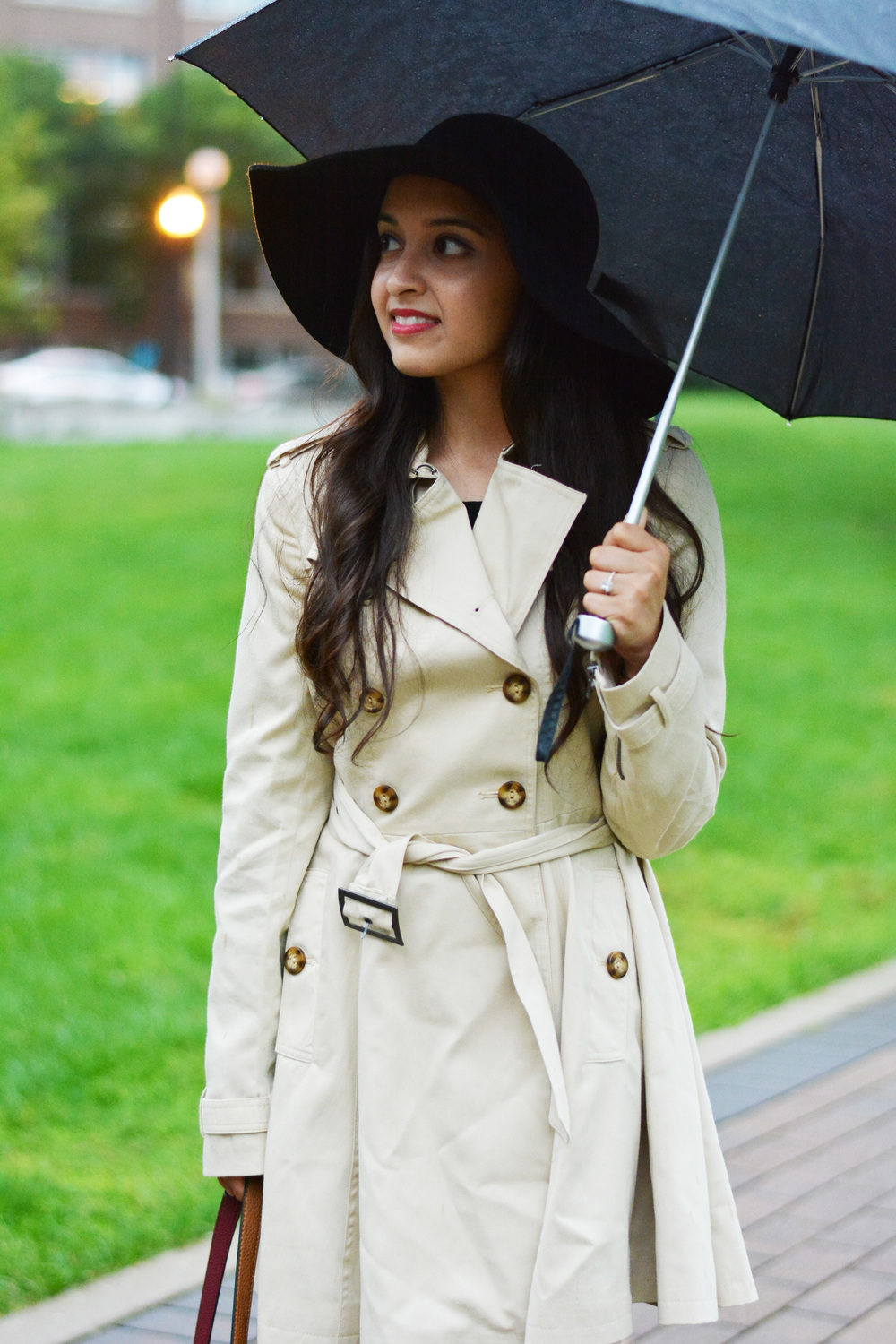 rainy day outfit, trench coat, asos, ann taylor, old navy, booties, forever 21, umbrella, burgundy tote, just fab, reversible tote, suede booties, pleated trench coat