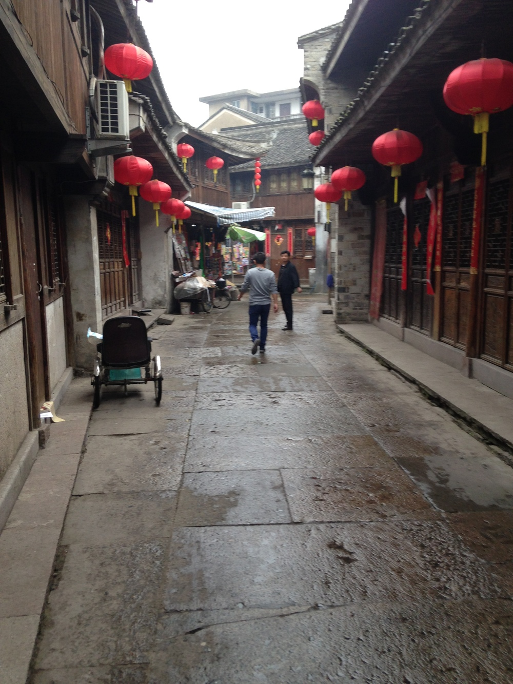 An ancient street in Linhai.
