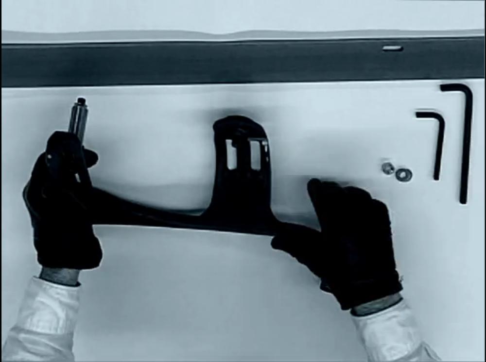 wo-aeron-hands01.png