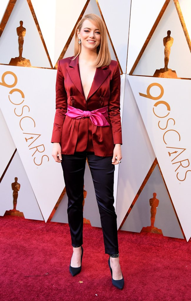 Emma-Stone-Louis-Vuitton-Pantsuit-Oscars-2018.jpg