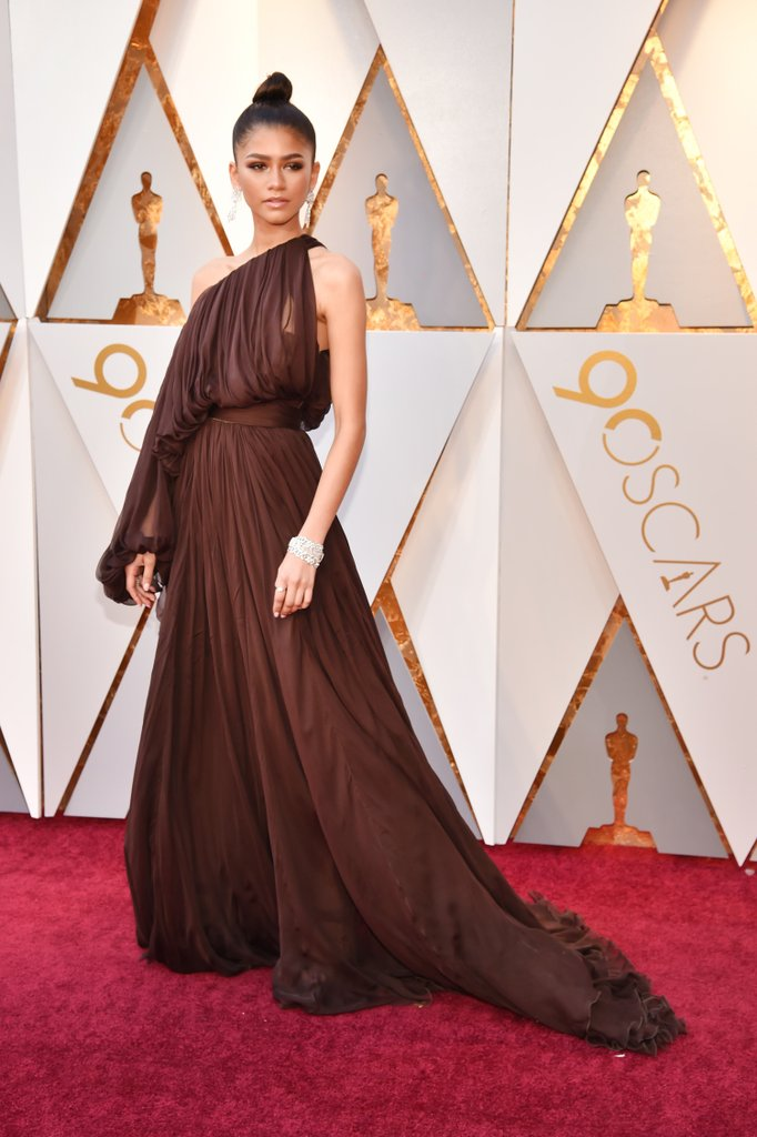 Zendaya-Giambattista-Valli-Dress-Oscars-2018.jpg