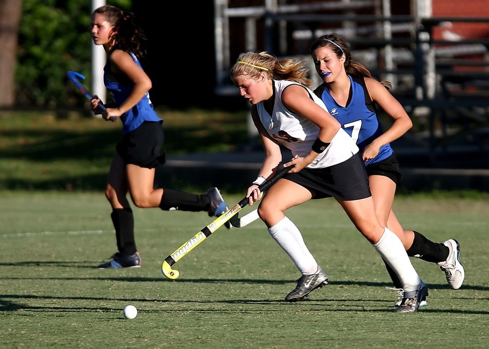 field-hockey-player-girls-game-163526.jpeg