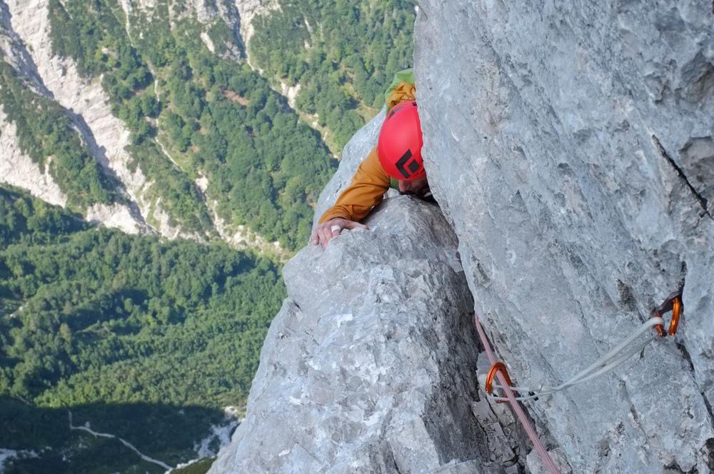 Wir beschäftigen uns mit Bergsteigen.