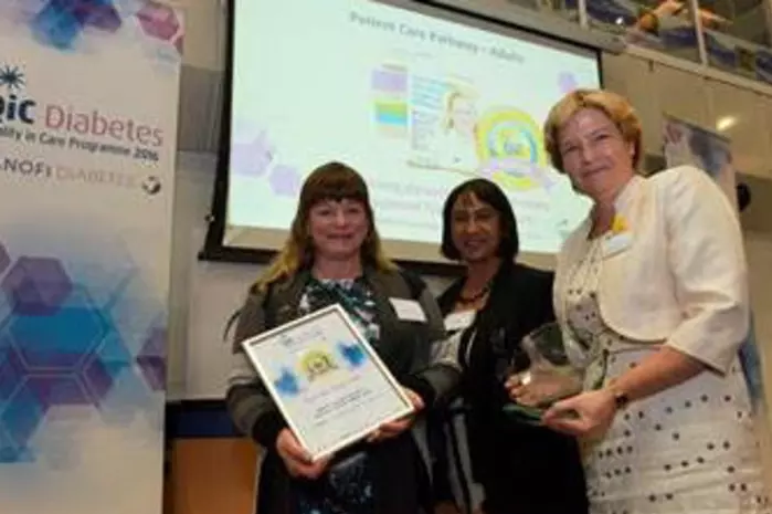 Carolin Taylor, diabetes specialist nurse, Dr Paru King, QiC judge, and Dr Jackie Elliott collect their award.