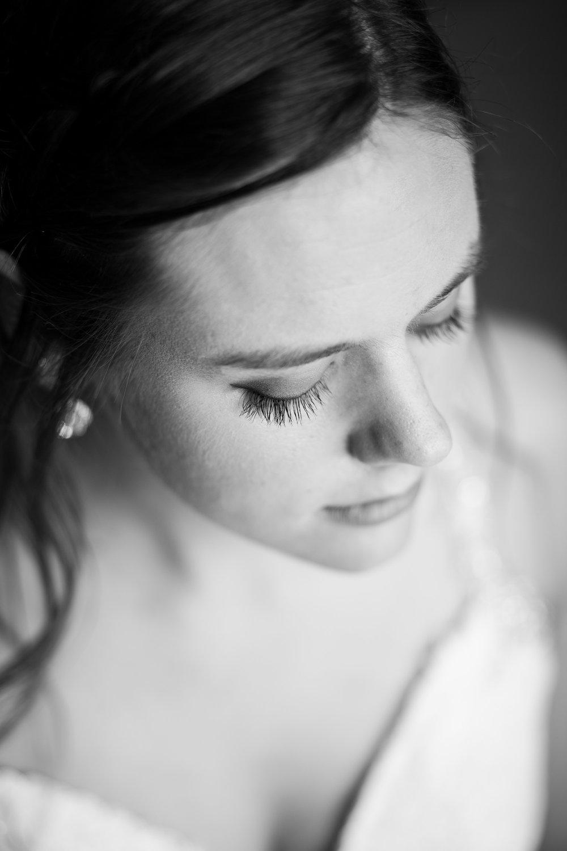 Makenna_Bridal-10.jpg