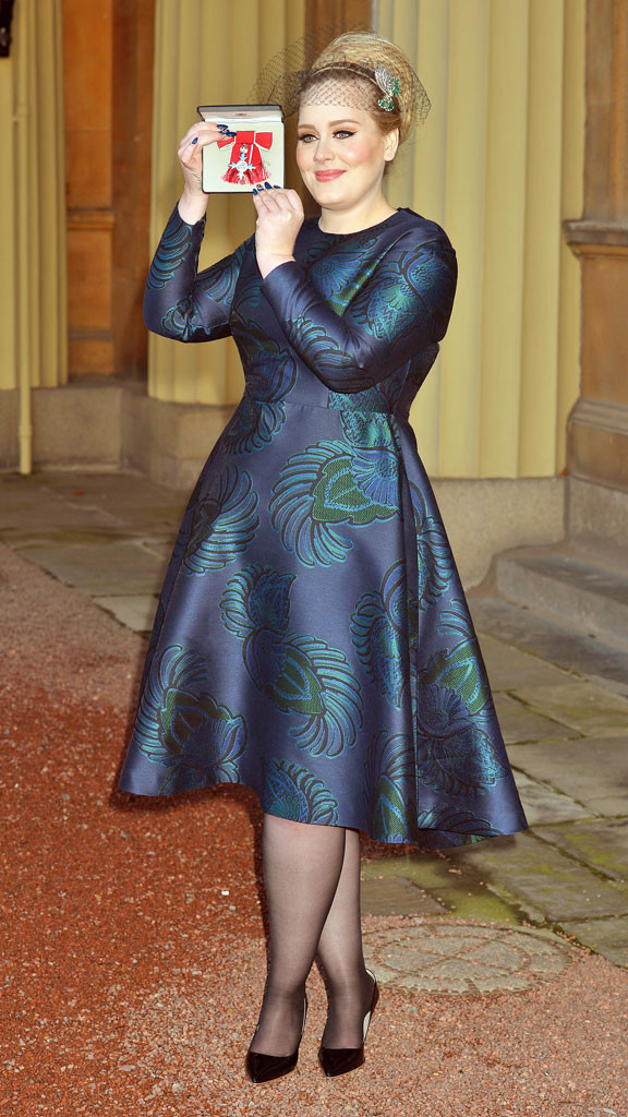 rs_576x1024-131219095136-634.adele-mbe-dress-121913.jpg