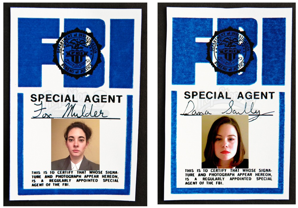 Taylor Timmons and Madison Lindley as Mulder and Scully from X Files.