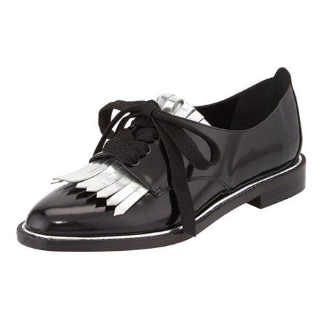 Oscar de la Renta Amber Kilty Bağcıklı Oxford Ayakkabı $890 bergdorfgoodman.com