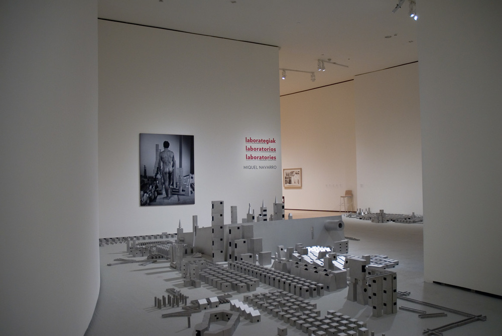 Miquel Navarro, Your World, Your City (2003), Guggenheim Museum, Bilbao