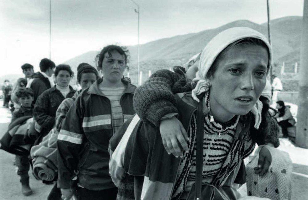 Kosovan refugees, Morina, Albania, 1999 (photo Gervasio Sánchez)