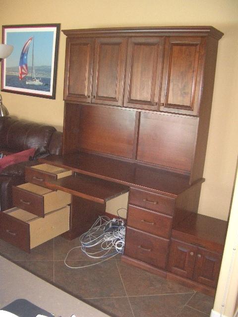 Yabsley Desk 006.jpg