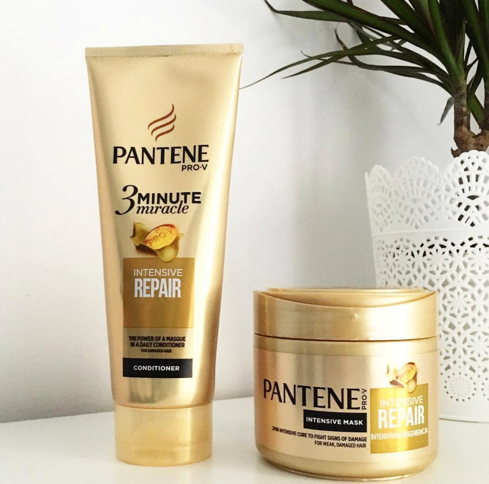 Pantene Pro-V3 Minute Miracle - Apply treatment mid-shaft to ends only, put up in a loose pony and you're ready to rock! The 3-minute miracle comes in many conditioning types so you can choose what works best for you!