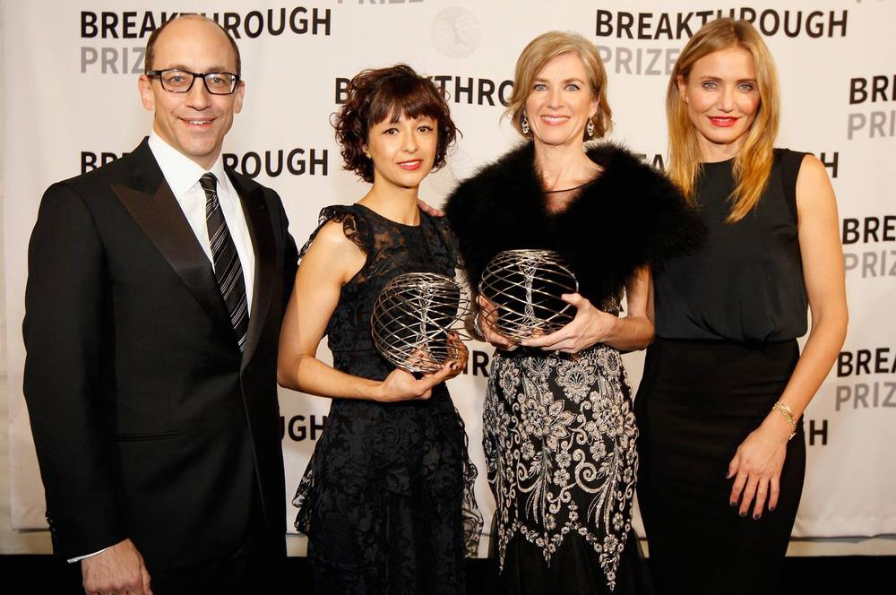 From left to right: Twitter CEO Dick Costolo, Emmanuelle Charpentier, PhD, Jennifer Doudna, PhD, and Cameron Diaz at the Breakthrough Prize award ceremony in Silicon Valley. Photo: Innovative Genomics Institute.