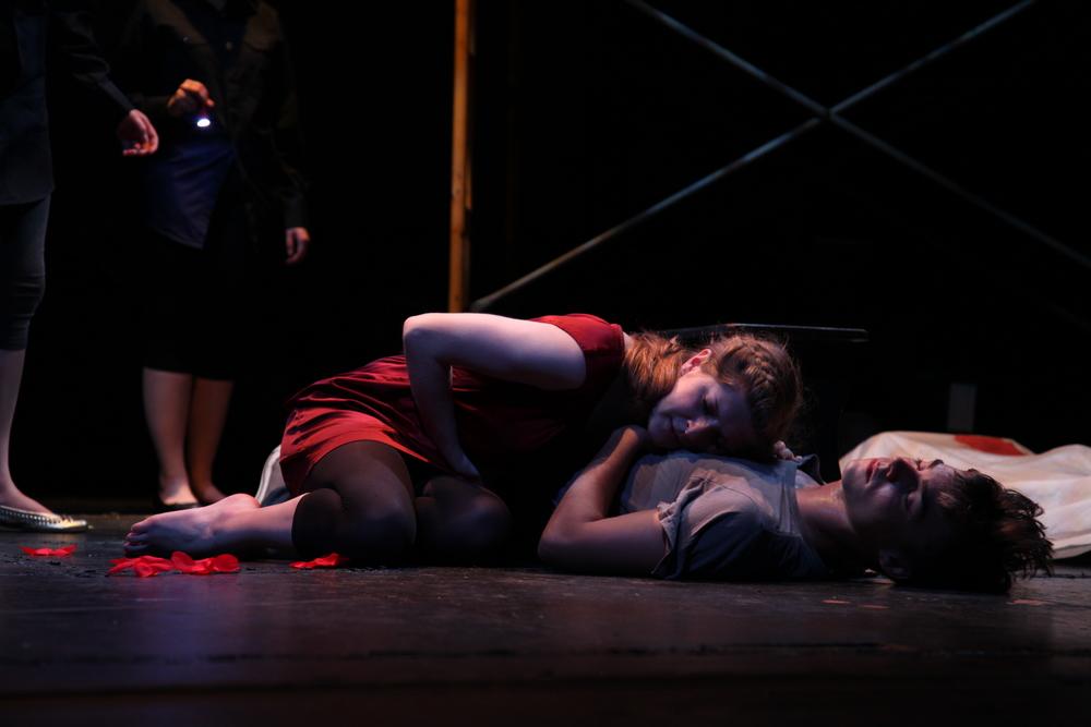 Romeo & Juliet . The Un-Common Theatre Company, 2010.Photo by Elizabeth Shear .