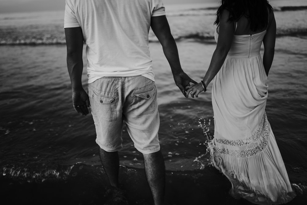 twyla jones photography - treasure coast florida - romantic anniversary session at the beach--13.jpg