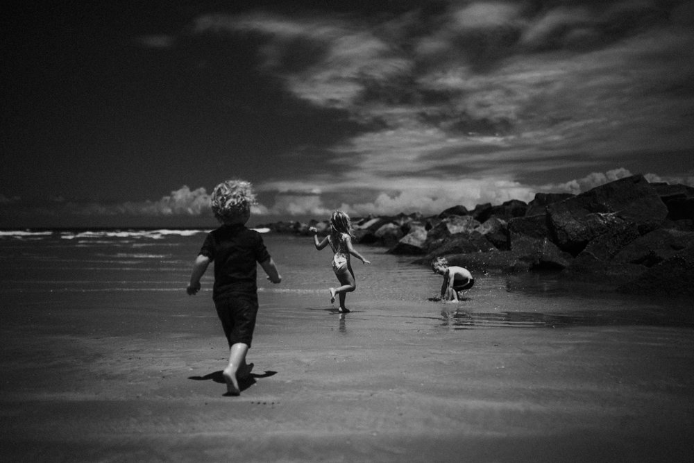 twyla jones photography - kids plalying at the beach in florida-8931.jpg