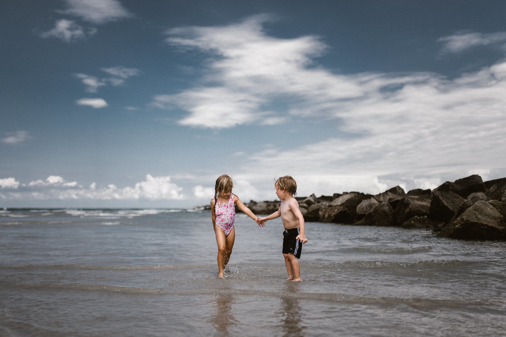 twyla jones photography - kids plalying at the beach in florida-9085.jpg