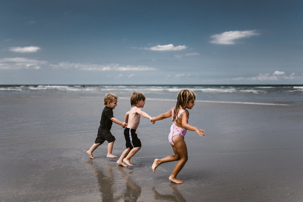 twyla jones photography - kids plalying at the beach in florida-9109.jpg