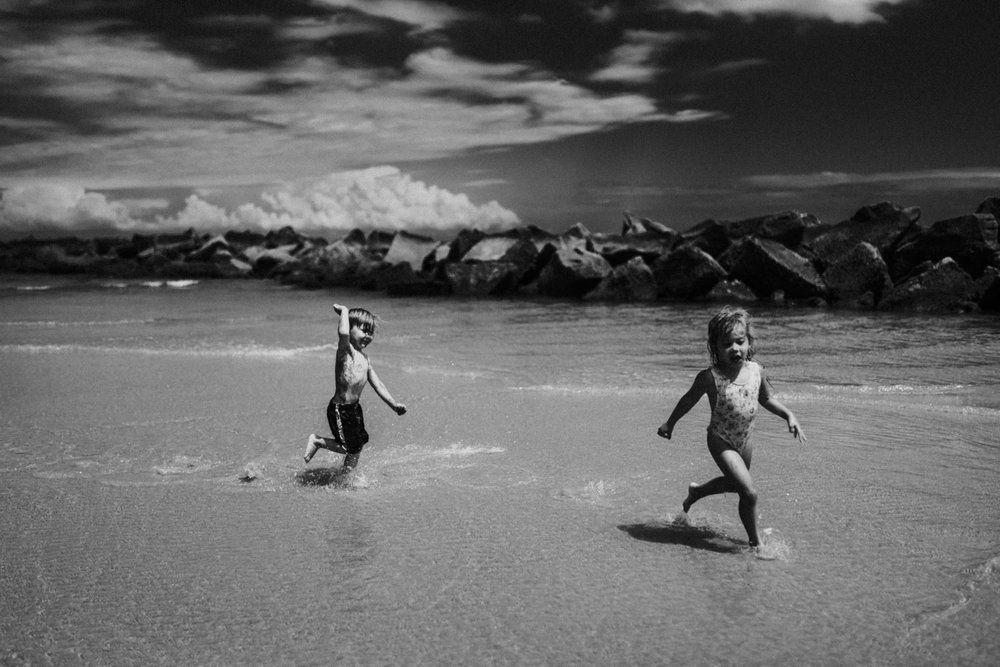 twyla jones photography - kids plalying at the beach in florida-9325.jpg