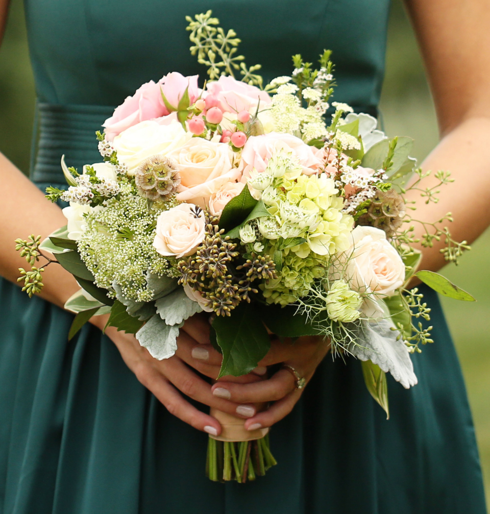 Bridesmaid bouquet.png
