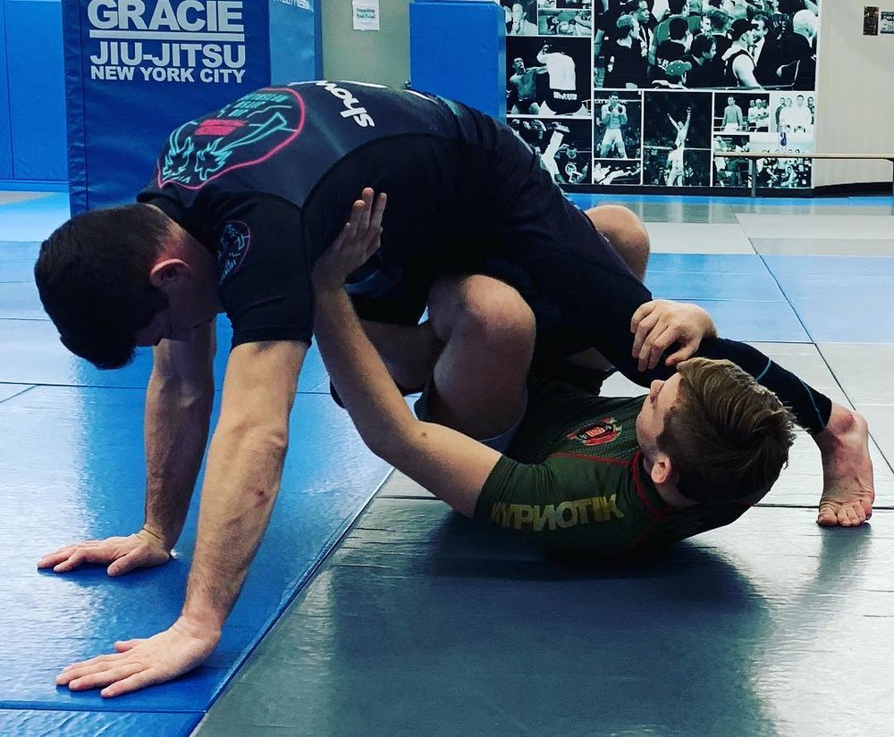 Bottom guard position