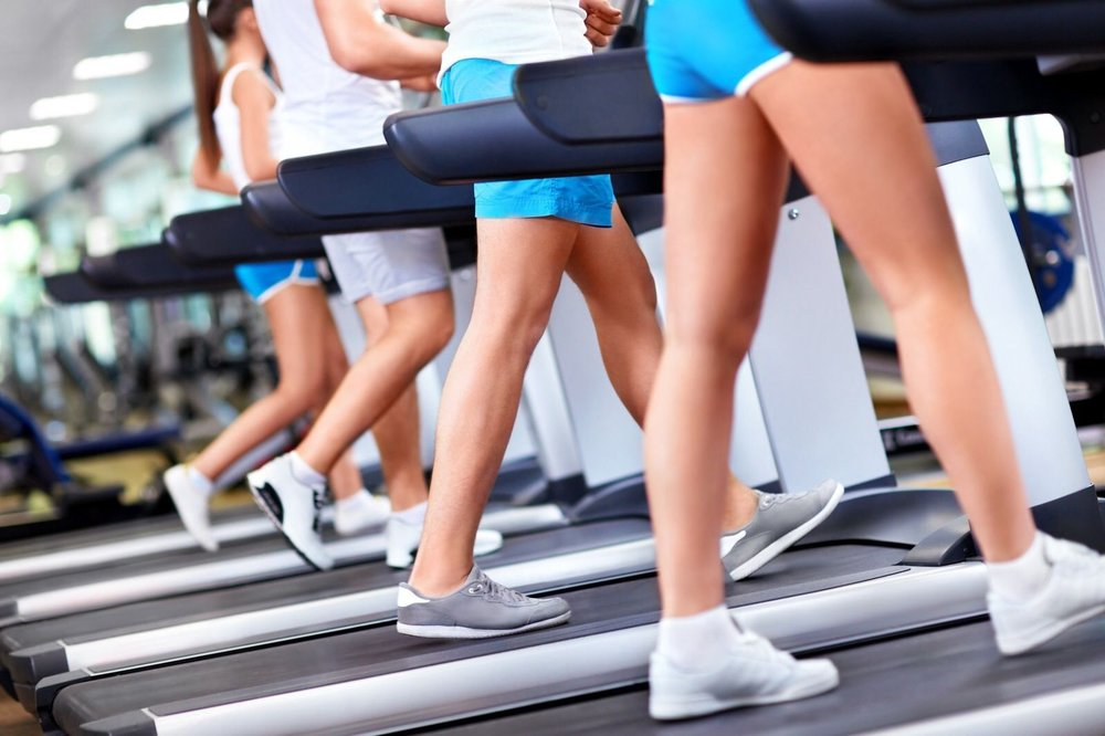 Treadmill-walkers-gym-Depositphotos_11275390_xl-56a9d9075f9b58b7d0ff886e.jpg