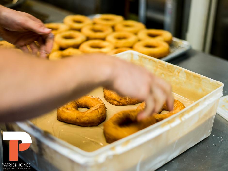 holy-donuts-portland-maine-photogrpahy-16-2.jpg