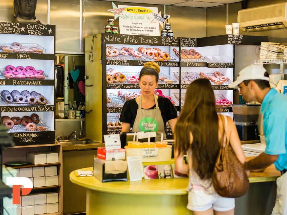 holy-donuts-portland-maine-photogrpahy-17.jpg