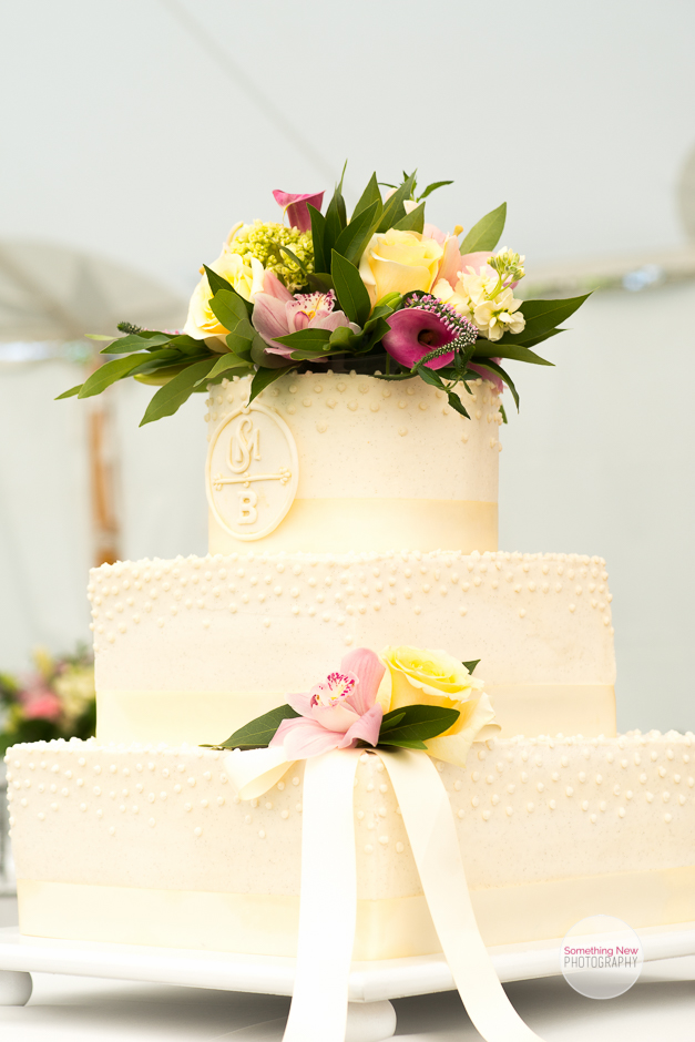 cake-elizabeth-wedding-photographer-in-maine22.jpg