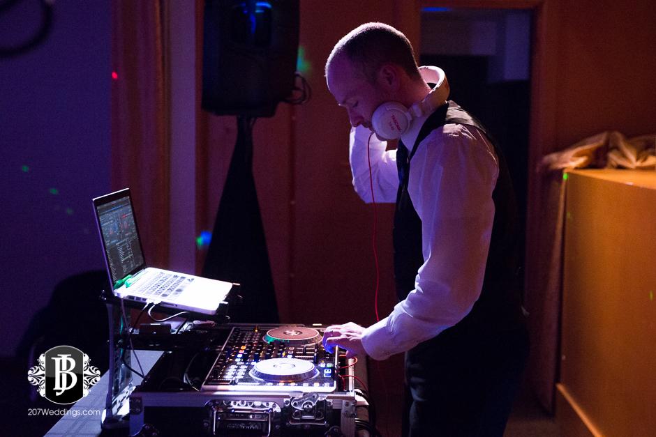 bouchard-sound-services-wedding-photographers-in-maine-9.jpg