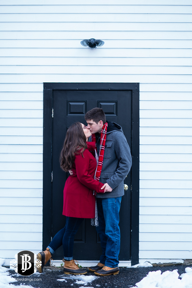 ellie-collin-freeport-engagement-pictures-southern-maine-wedding-photographers-4.jpg