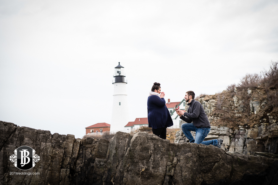 surprise-proposal-photos-portland-maine-jordan-chelsie-1.jpg