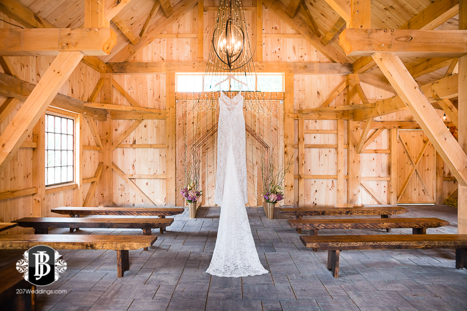 barn-at-the-kennebunks-wedding-photographers-maine14.jpg
