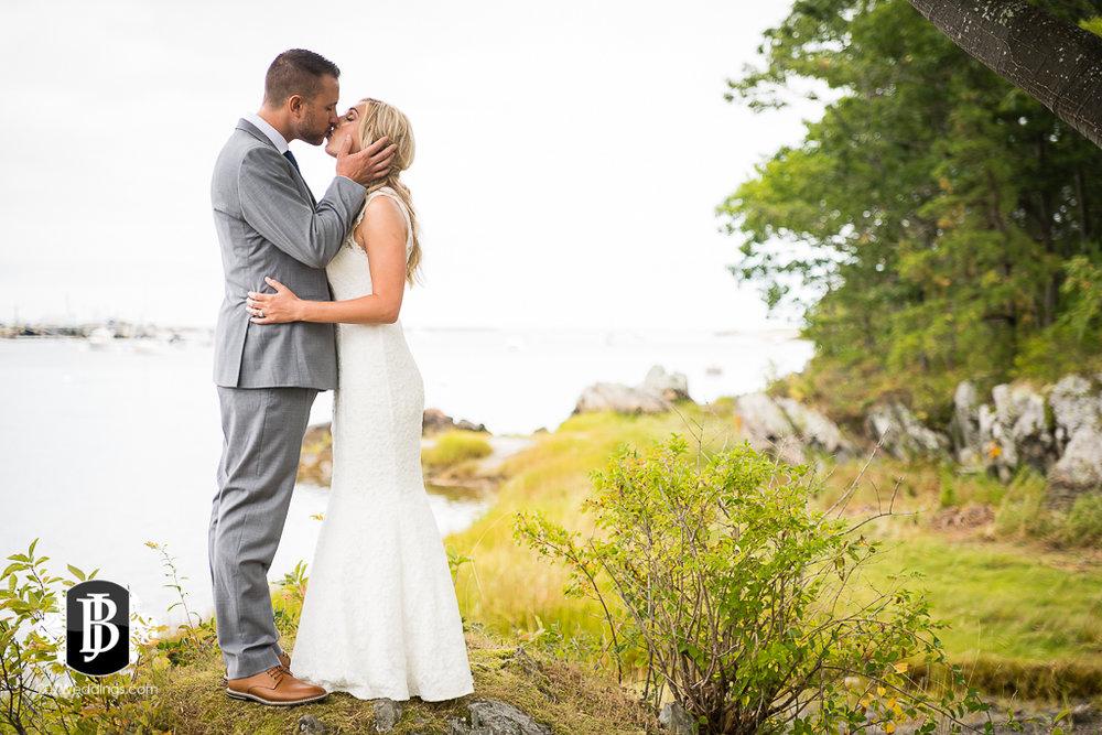 chesea-derek-southern-maine-wedding-photographers-3.jpg