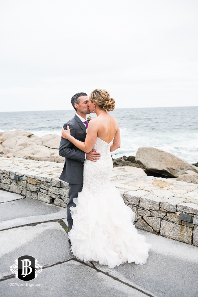 alise-nate-york-maine-wedding-photographer-3.jpg