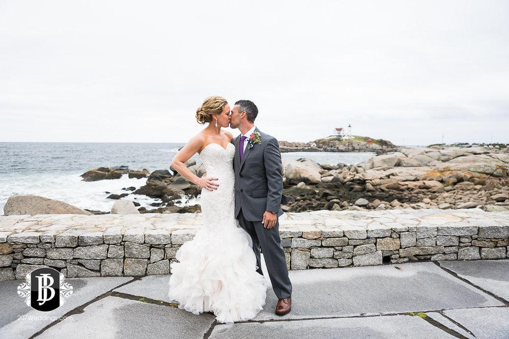 alise-nate-york-maine-wedding-photographer-4.jpg