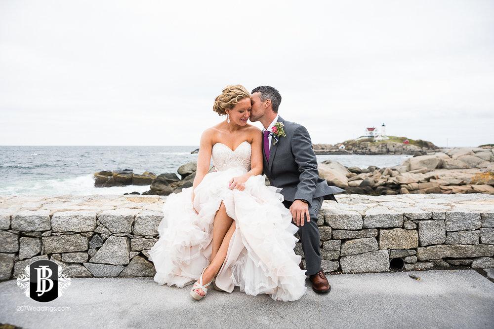 alise-nate-york-maine-wedding-photographer-7.jpg