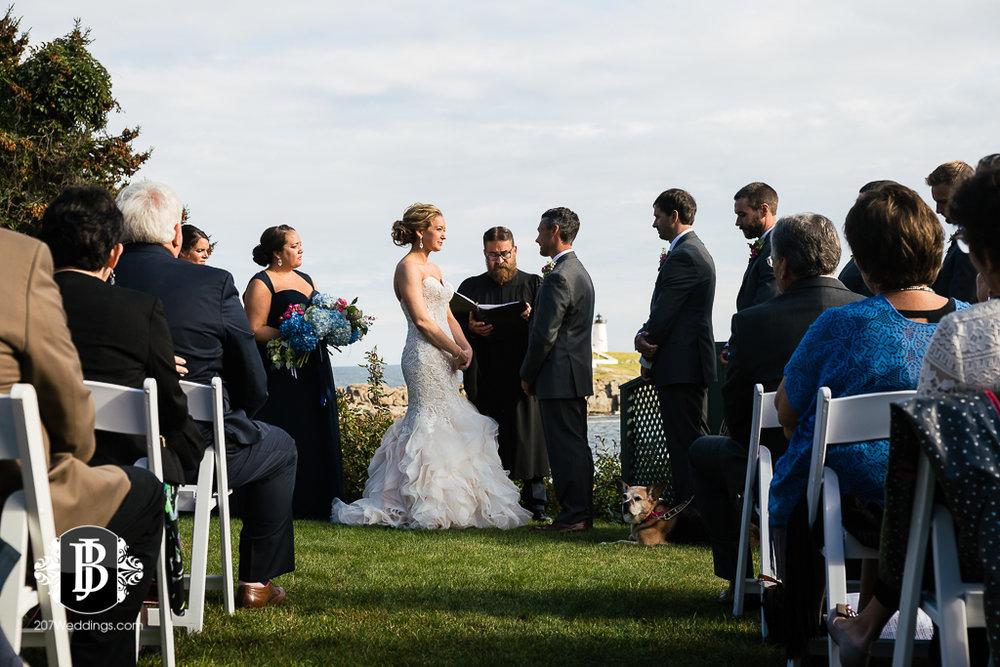 alise-nate-york-maine-wedding-photographer-10.jpg