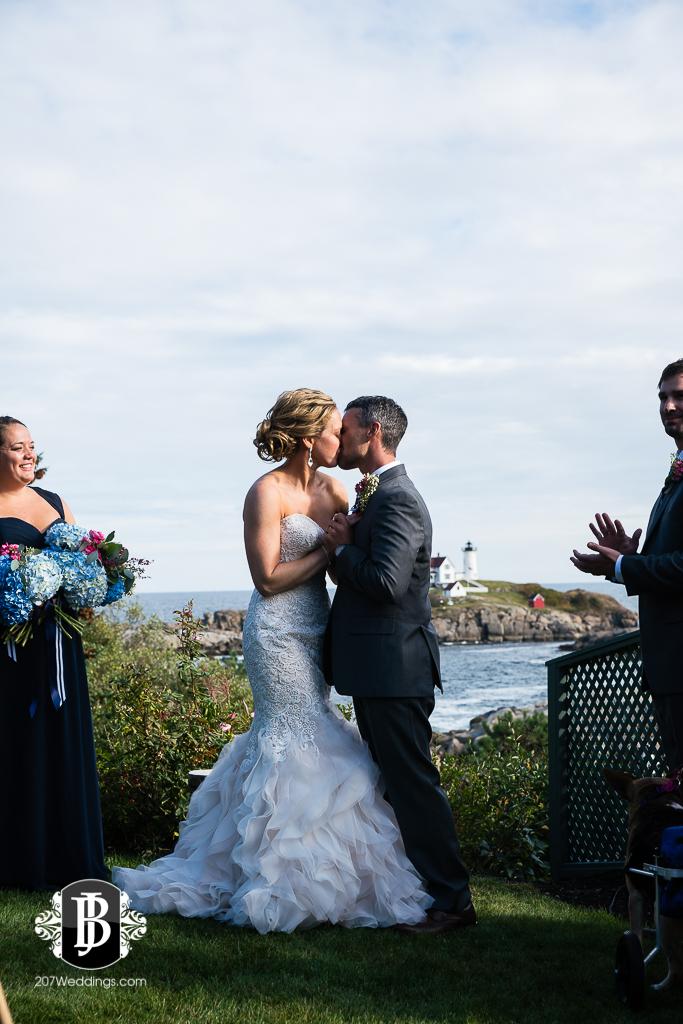 alise-nate-york-maine-wedding-photographer-12.jpg