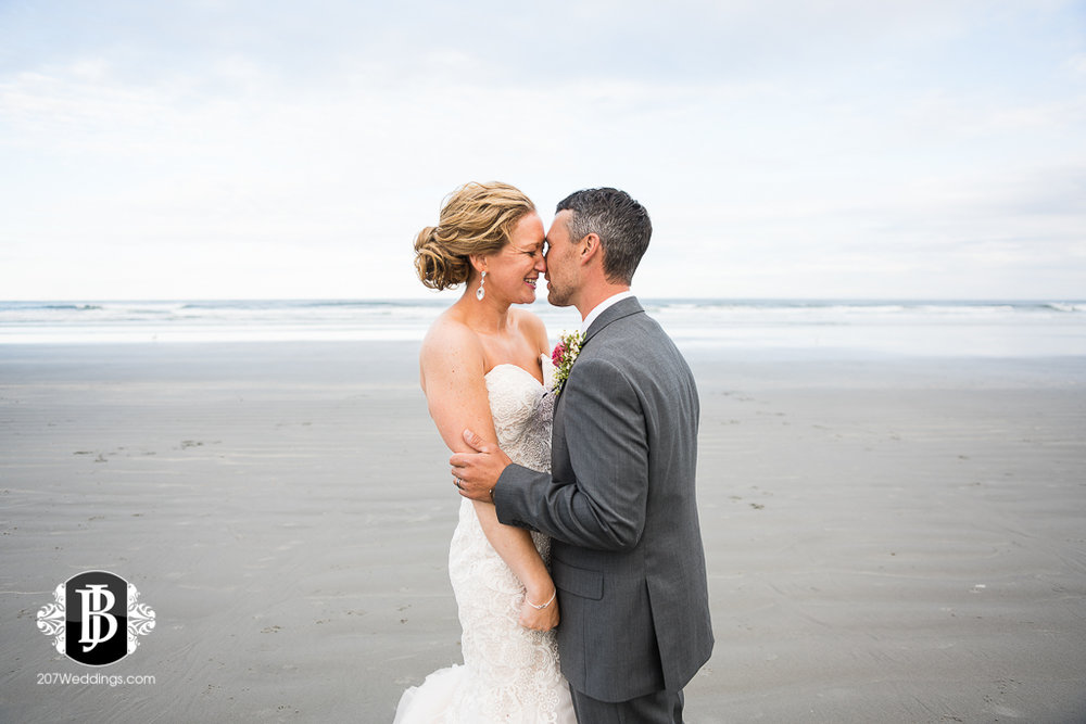 alise-nate-york-maine-wedding-photographer-13.jpg