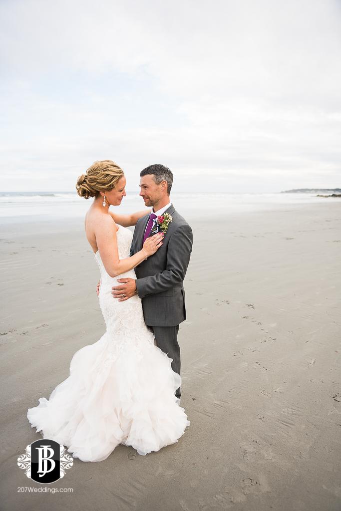 alise-nate-york-maine-wedding-photographer-14.jpg