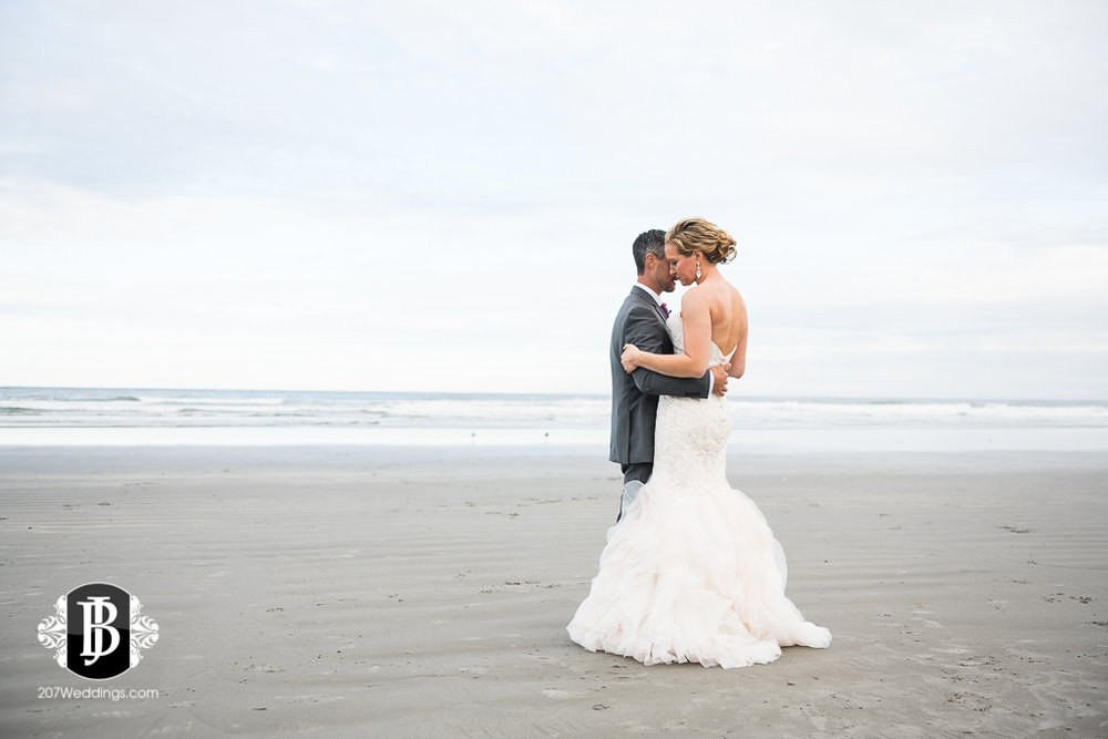 alise-nate-york-maine-wedding-photographer-15.jpg