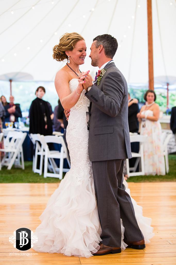 alise-nate-york-maine-wedding-photographer-17.jpg