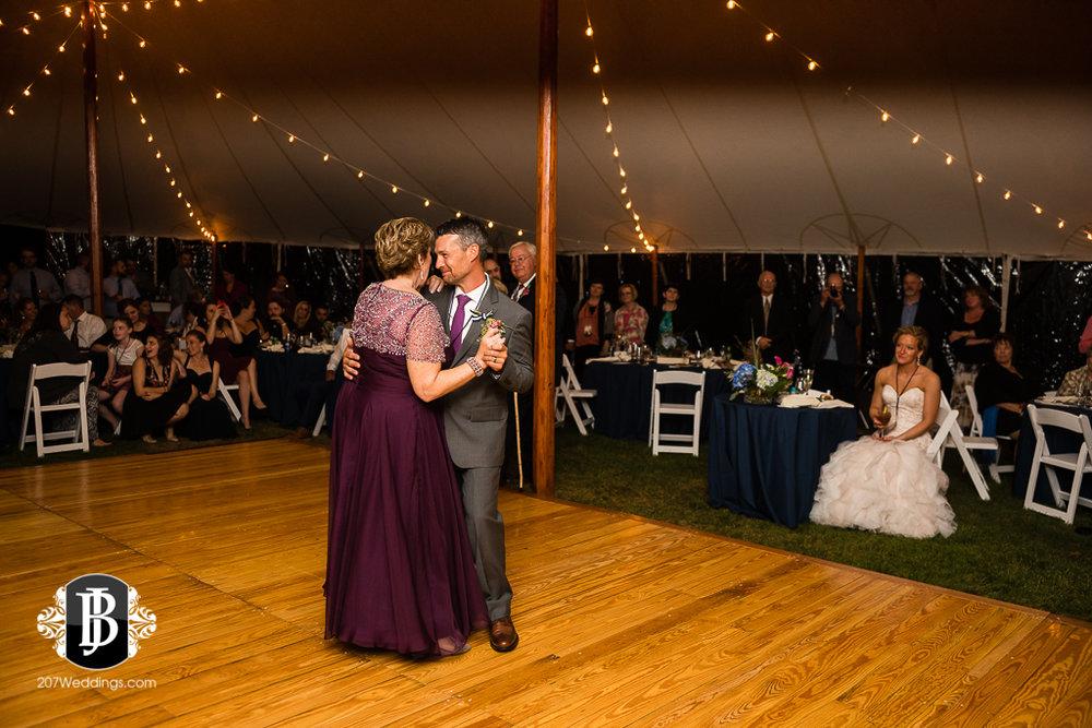 alise-nate-york-maine-wedding-photographer-21.jpg