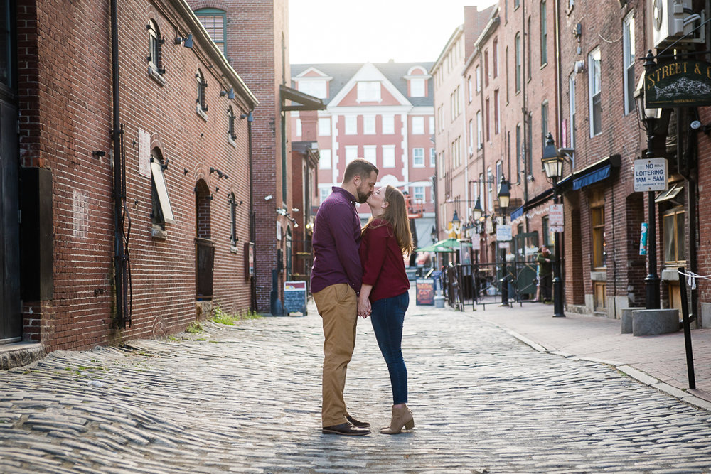 engagement-photographers-in-portland-maine-chuck-theresa-6.jpg