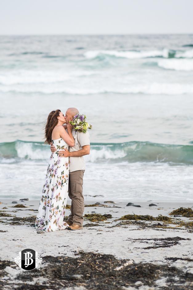wedding-photographers-near-scarborough-maine-lavonne-justin-19.jpg