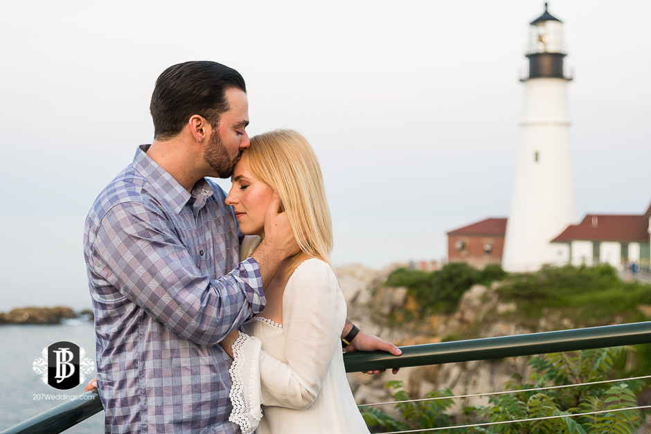 photographers-near-portland-me-portland-headlight-marriage-proposal-tyler-rachel-6.jpg